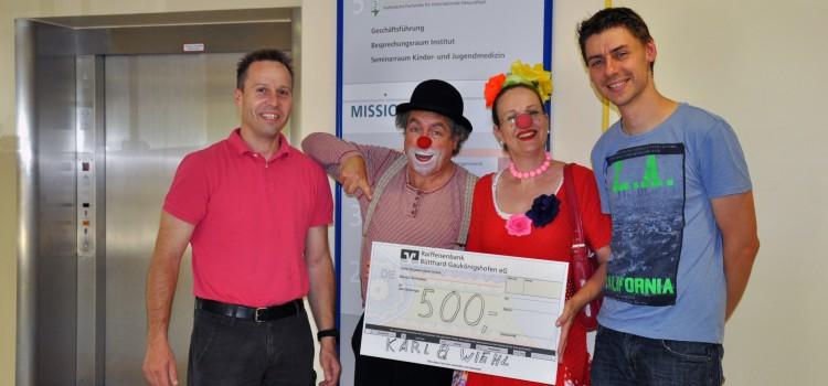 Schreinerei Karl & Wiehl aus Ochsenfurt spendet für die Klinikclowns Lachtränen