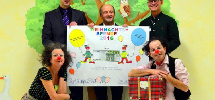 Spende der Rehaklinik Am Kurpark für Klinik-Clowns Lachtränen Würzburg