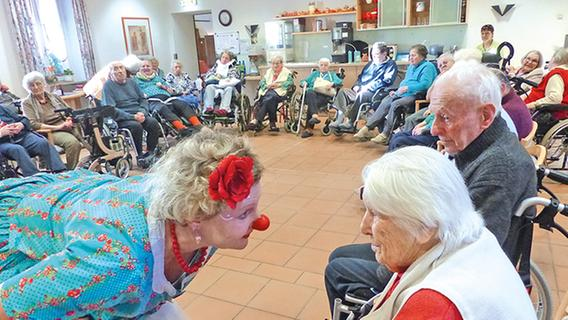 Klinikclowns bringen Spaß ins Bürgerheim