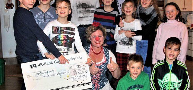 Die Komm-in-Kinder beschenkten die Klinikclowns aus Würzburg