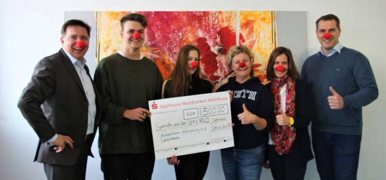 Realschule Dettelbach spendet 500 Euro an die Klinikclowns Würzburg
