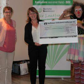 1000 Euro-Spende für die Klinik-Clowns von den Ortsbäuerinnen im Landkreis Haßberge