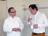 Zwei Aerzte beim Informationsaustausch Prof. Dr. Meyer ZOM Kinderchirungie und Dr. v. H