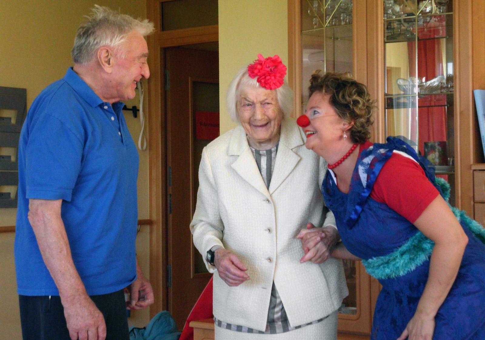klinikclowns-seniorenheim-august-2011-12