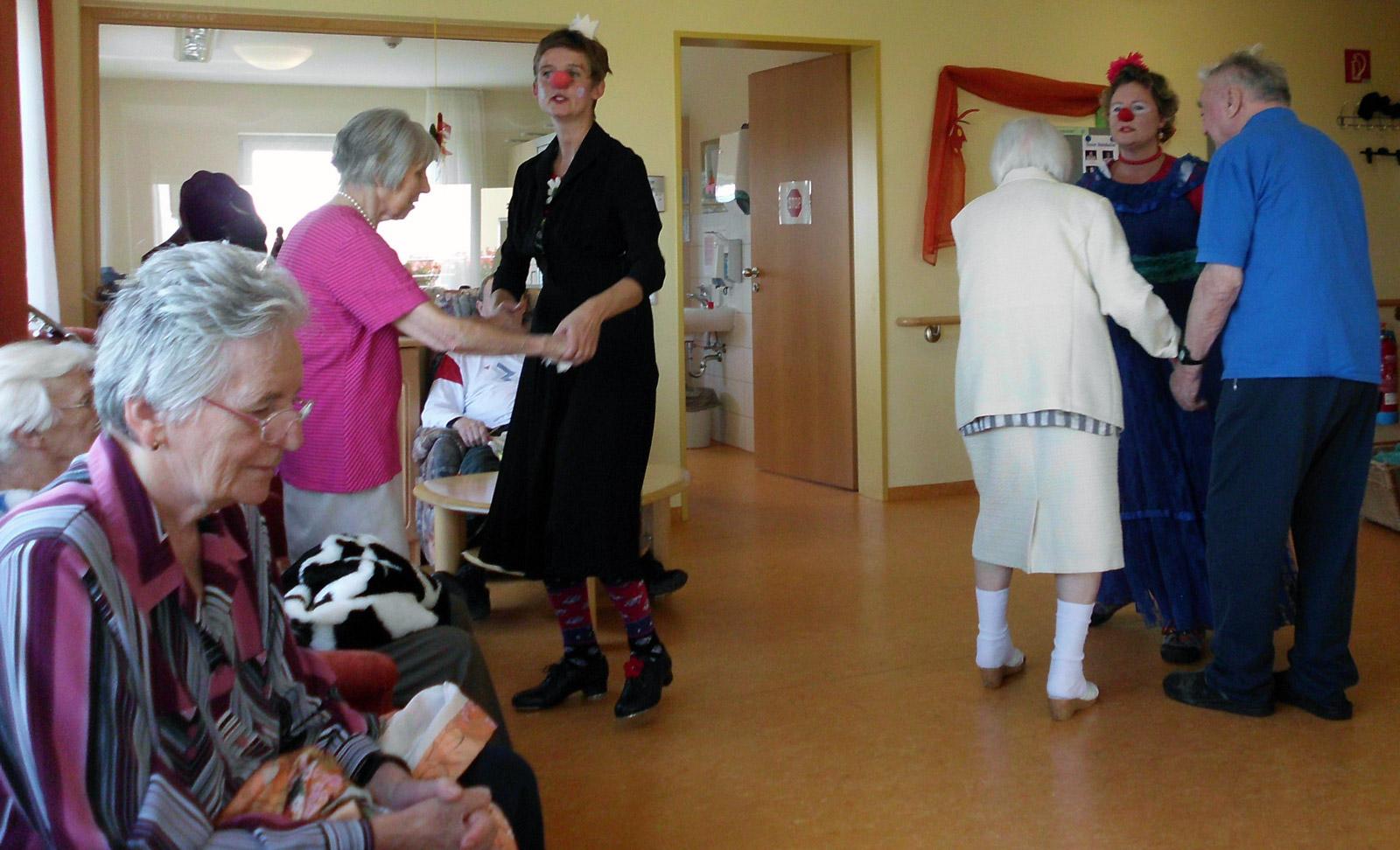 klinikclowns-seniorenheim-august-2011-15