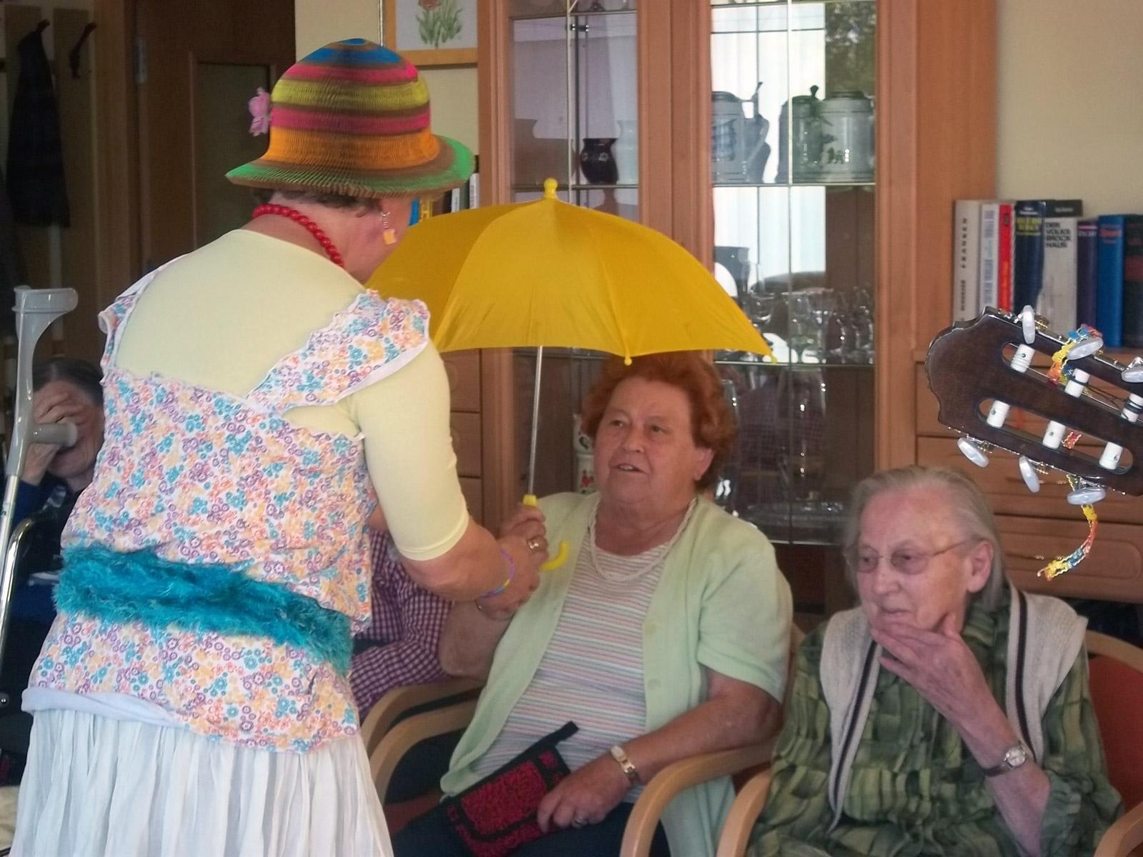 klinikclowns-seniorenheim-mai-2011-07