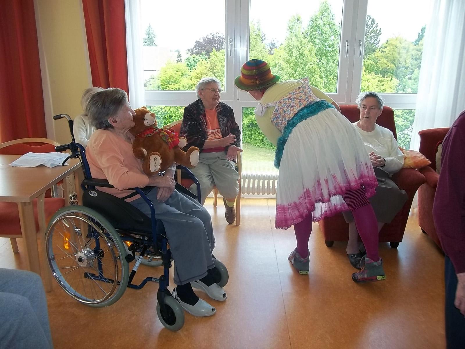 klinikclowns-seniorenheim-mai-2011-27
