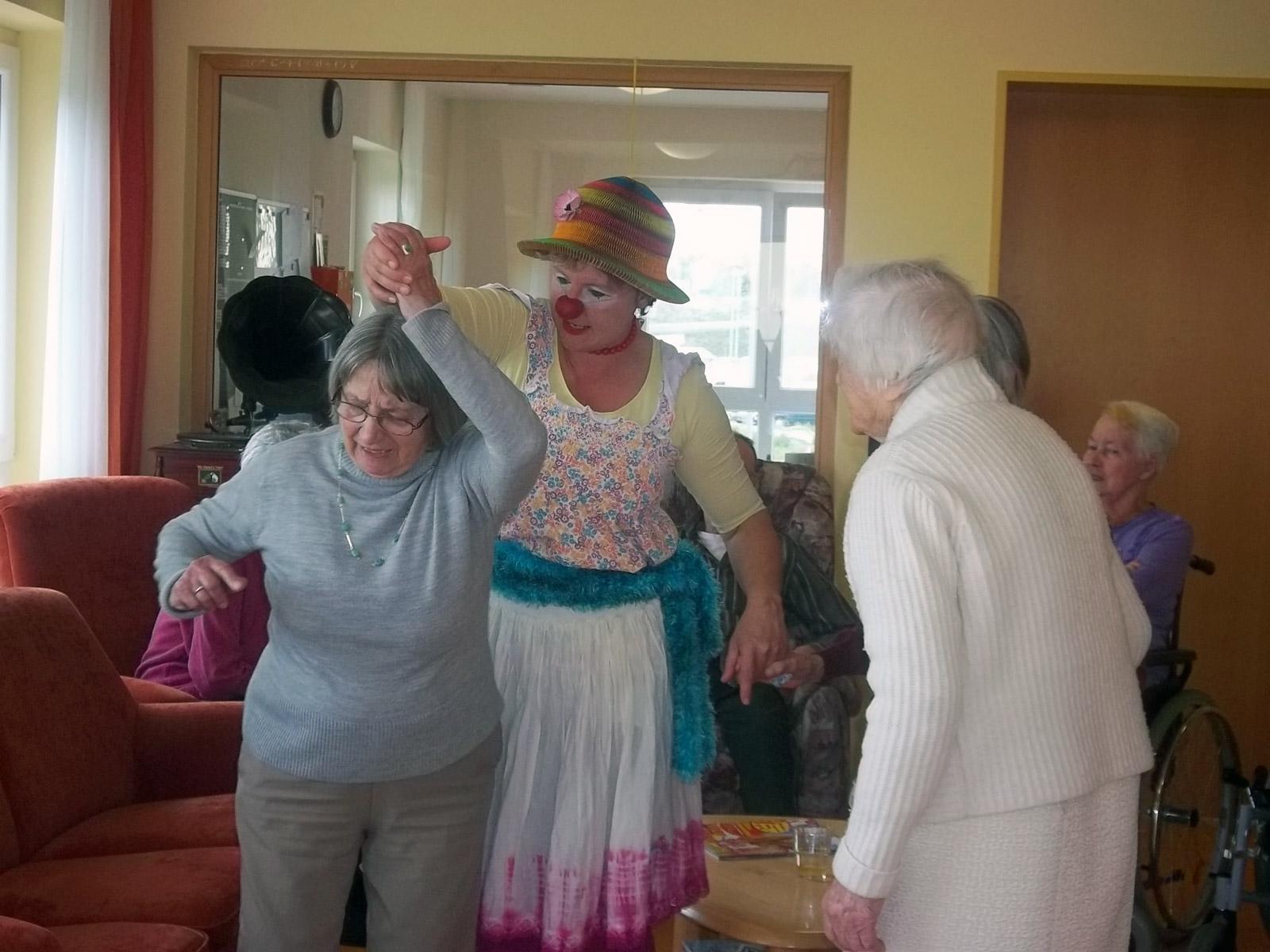 klinikclowns-seniorenheim-mai-2011-31