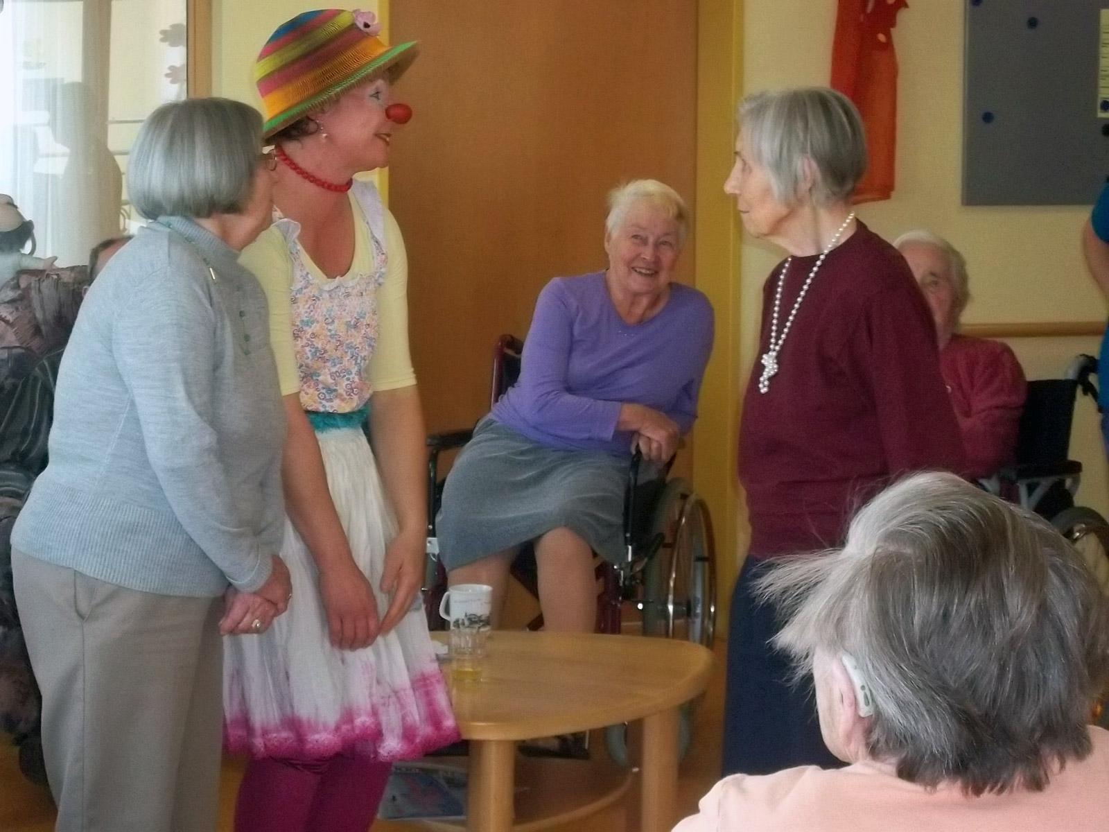 klinikclowns-seniorenheim-mai-2011-35