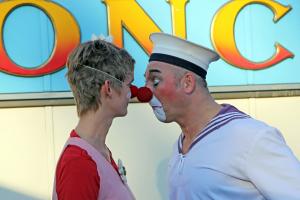 Nase an Nase ... Prinzessin Lilli von den Lachtraenen und Eddy vom Zirkus Roncalli