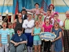 Zirkusbesuch Kinder und Geschwister von Station Regenbogen im Zirkus Roncalli mit den Lachtränen